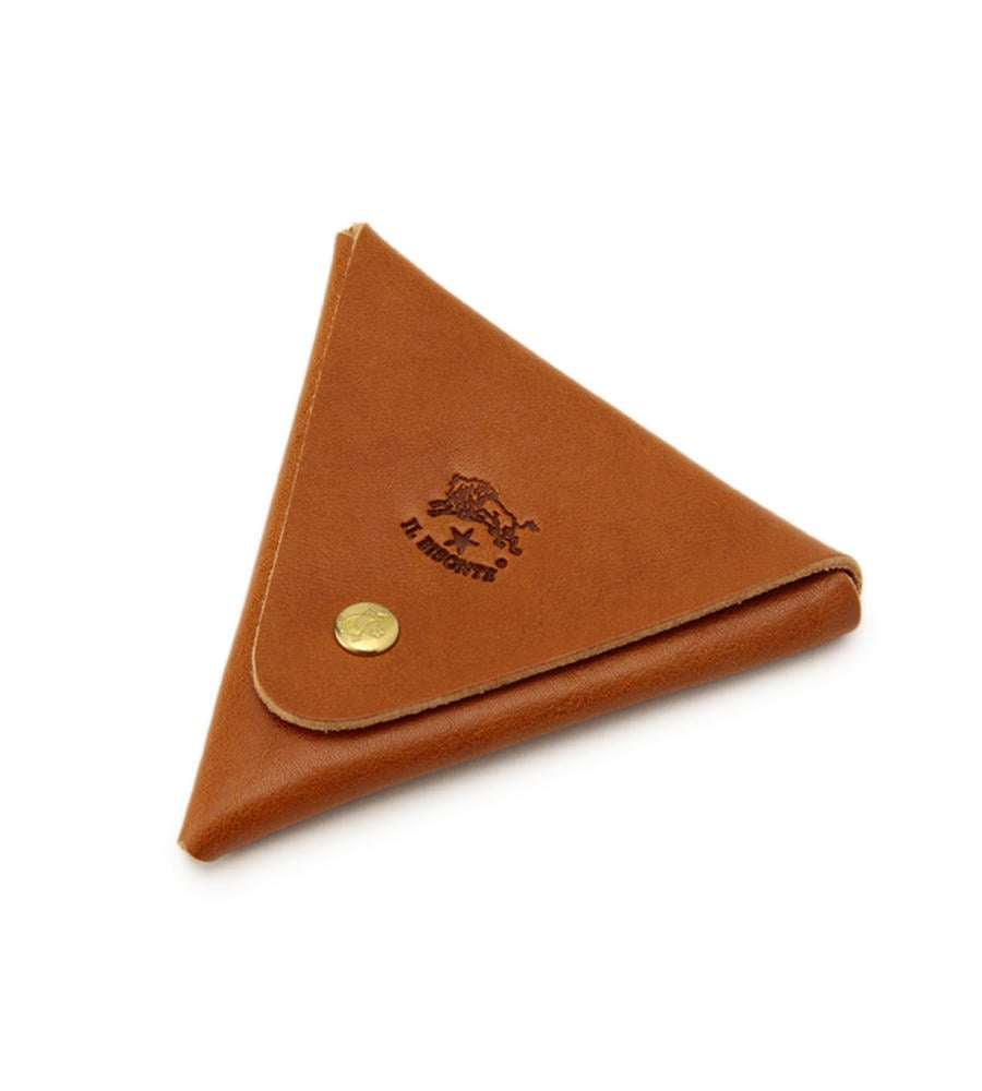 こんな三角形状のコインケースも仕立てられています。個人的には、コインケースを一目で区別したい気持ちがあるため、結構好みだったりします。