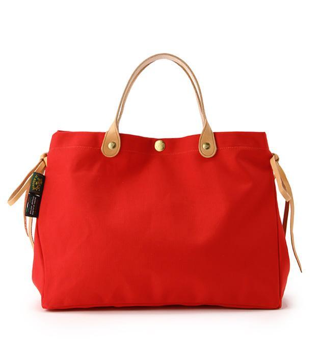 40代女性に人気の「ILL BISONTE(イルビソンテ)」ブランドバッグ